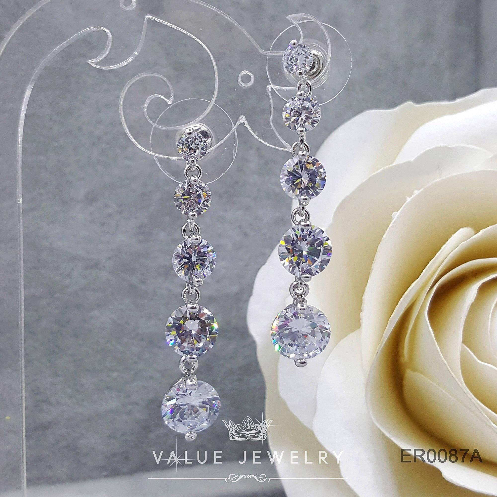Value Jewelry ER0088 กว้าง0.8cmยาว4.2cm เครื่องประดับเพขรCZ เกรดพรีเมี่ยม ไม่ลอก ไม่ดำ ไม่แพ้ ไม่คัน ต่างหูแฟชั่น ออกงาน ทำงาน ปาตี้ เที่ยว ติดหู หนีบ ห่วง ระย้า เกาหลี ดารา นำโชค เสริมดวง รวย ขายดี คริสตัล เพชร แบรนด์เนม สร้อยข้อมือ สร้อยคอ แหวน กำไล