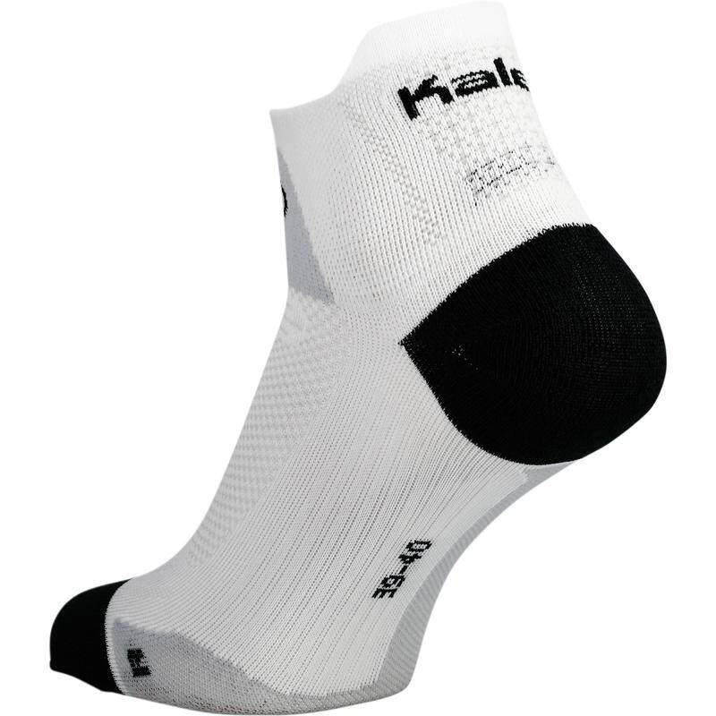 ++รับประกัน 2 ปี++ ถุงเท้าและที่รัดน่อง นักวิ่ง วิ่งมาราธอน วิ่งเทรล ถุงเท้ารุ่น KIPRUN THIN (สีขาว)