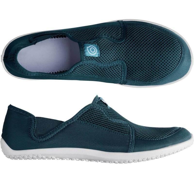 รองเท้าลุยน้ำ ใส่เล่นน้ำทะเล หรือ น้ำตก แห้งไวมาก ไม่เจ็บเท้าเวลาเดิน มีหลายสีให้เลือก ฟ้า แดง เทา เทาเข็ม ดำ