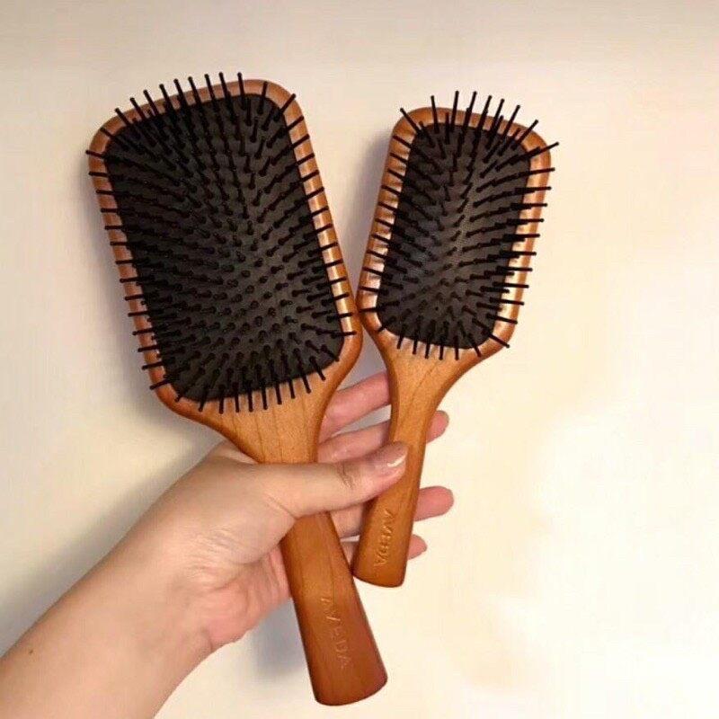 Ecco Star สินค้าส่งในไทย หวีไม้แท้ (ขนาดใหญ่) แปลงหวีไม้แท้ Aveda Hair Brush.