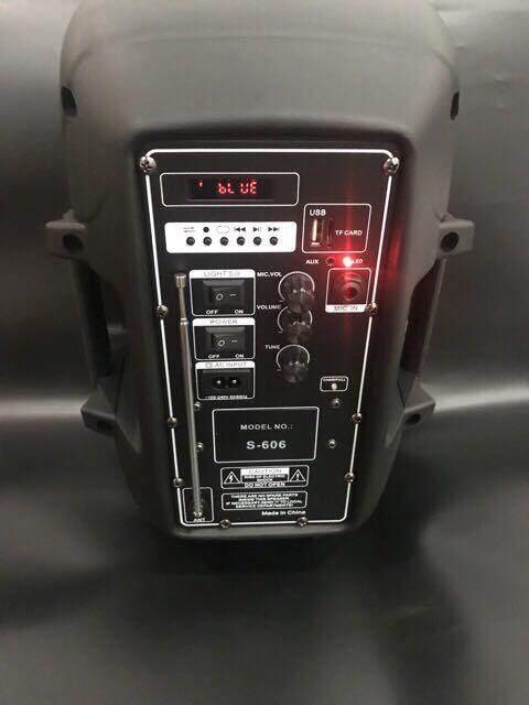 ลดส่งท้ายปี เครื่องเสียงและโฮมเธียร์เตอร์  จัดส่งฟรี S-606 ตู้ลำโพงขยายเสียง ลำโพงช่วยสอน 8 นิ้ว+ไมค์สาย 100 WATT แบตเตอรี่ในตัว ฺ USB SDcard เชื่อมต่อ Bluetooth มีคูปองส่วนลด