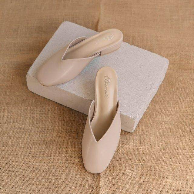 Primest - รองเท้าหัวมนมีส้น On The Road Sandals Slippers (CREAM)