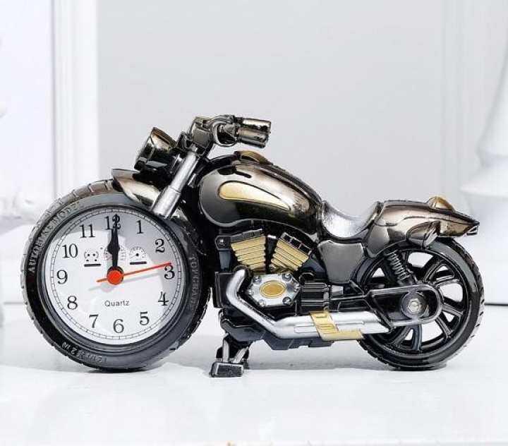แนะนำ Cassablu นาฬิกามอเตอร์ไซต์ตั้งโต๊ะ นาฬิกามอเตอร์ไซต์ฮาเล่ย์ นาฬิกาตั้งโต๊ะ สีเงิน new step asia
