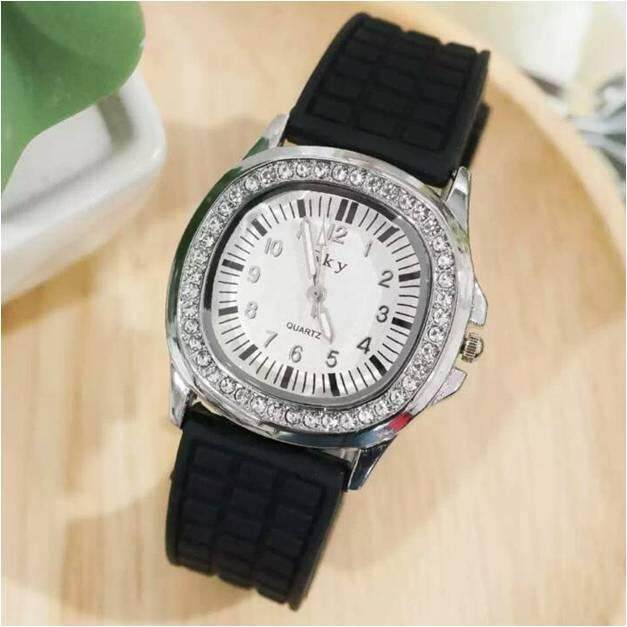 Cn Watches นาฬิกาข้อมือแฟชั่น นาฬิกาผู้หญิงนิยม นาฬิกาสวยๆของผู้หญิง นาฬิกา Women Watches รุ่น ก้านแก้ว Cc-093.