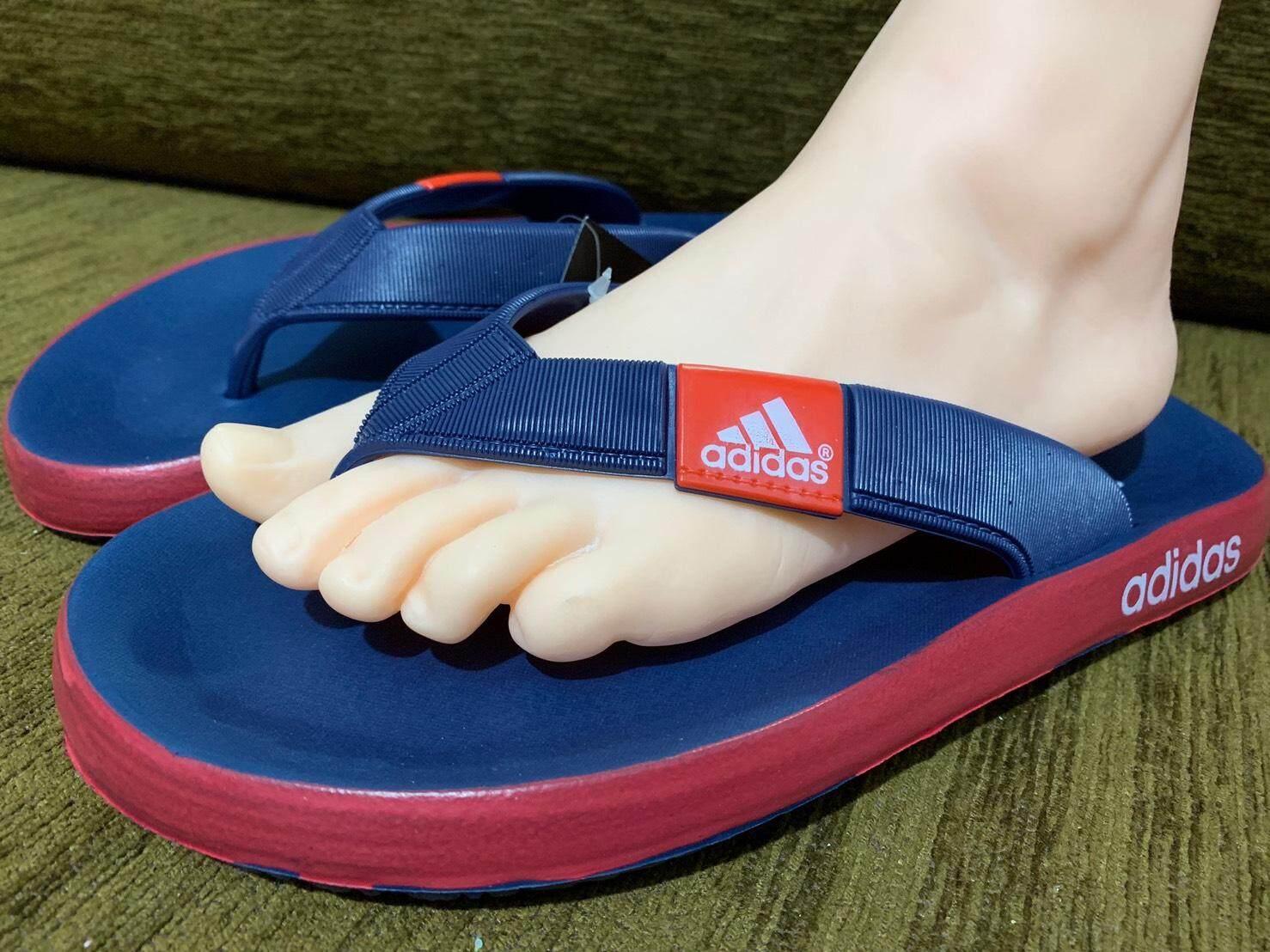 รองเท้าแตะแฟชั่นแบบคีบ adidas
