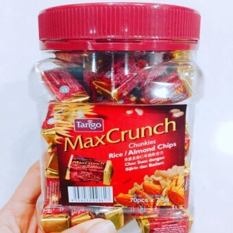 Tango MaxCrunch Rice/ Almond Chips ช็อคโกแลตแท่ง สีแดง รส อัลมอนด์1 ขวด 70 ชิ้น