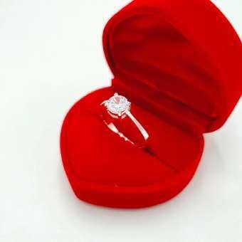 แหวนเงิน 925 ประดับเพชร CZ ขนาด 7 MM. จำนวน 1 เม็ด ชุบเงินแท้ 925 เเถมฟรีกล่องกำมะหยี่ สินค้าขายดีพร้อมส่ง