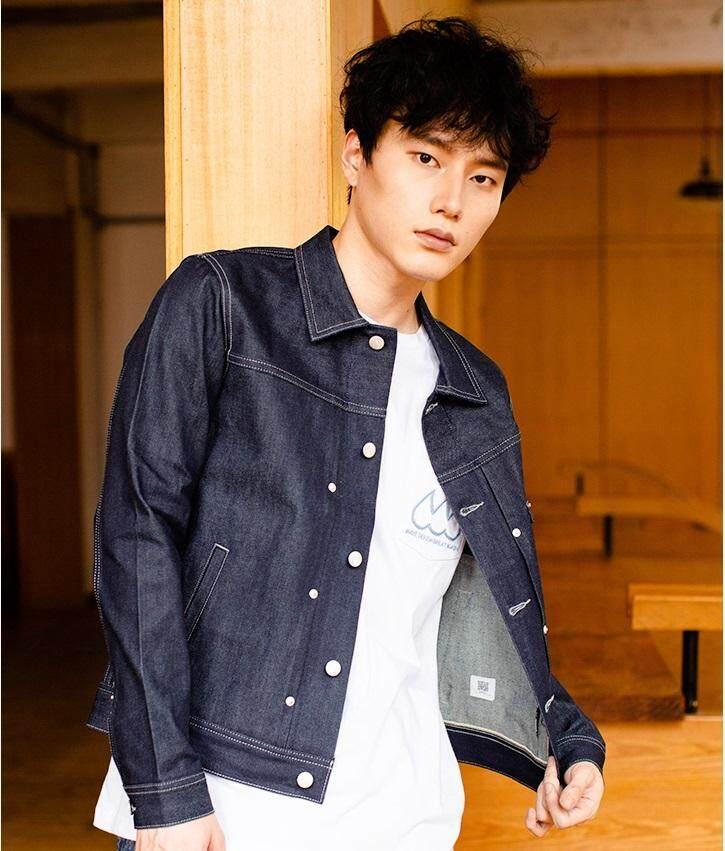 2019 แจ็คเก็ตยีนส์แฟชั่นผู้ชาย / 2019 Mens Fashion Denim Jacket 100% Cotton Korakublue®-500t By Trend Salon.