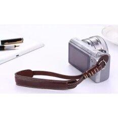 สายคล้องข้อมือ สำหรับกล้องทุกชนิด แข็งแรงทนทาน มีตัวปรับล็อคพอดีข้อมือ และแถบป้องกันกล้องถลอก สายหนัง