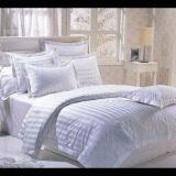 ซื้อ At Bed At Home ชุดผ้าปูที่นอน ผ้าซาติน ลายริ้วขาว ถูก
