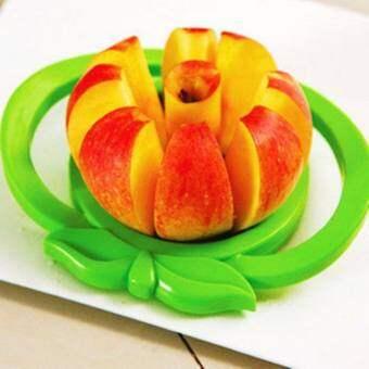 TGHที่หั่นตัดแอปเปิ้ลพร้อมทาน ใบมีดแข็งแรง คม ทนทาน ไม่เป็นสนิม ใช้งานง่าย สีเขียว