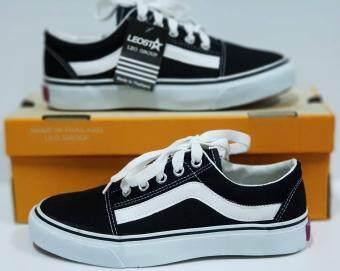 รองเท้าผ้าใบสีดำ ทรง Vans ยี่ห้อ Leostar รุ่น OV6
