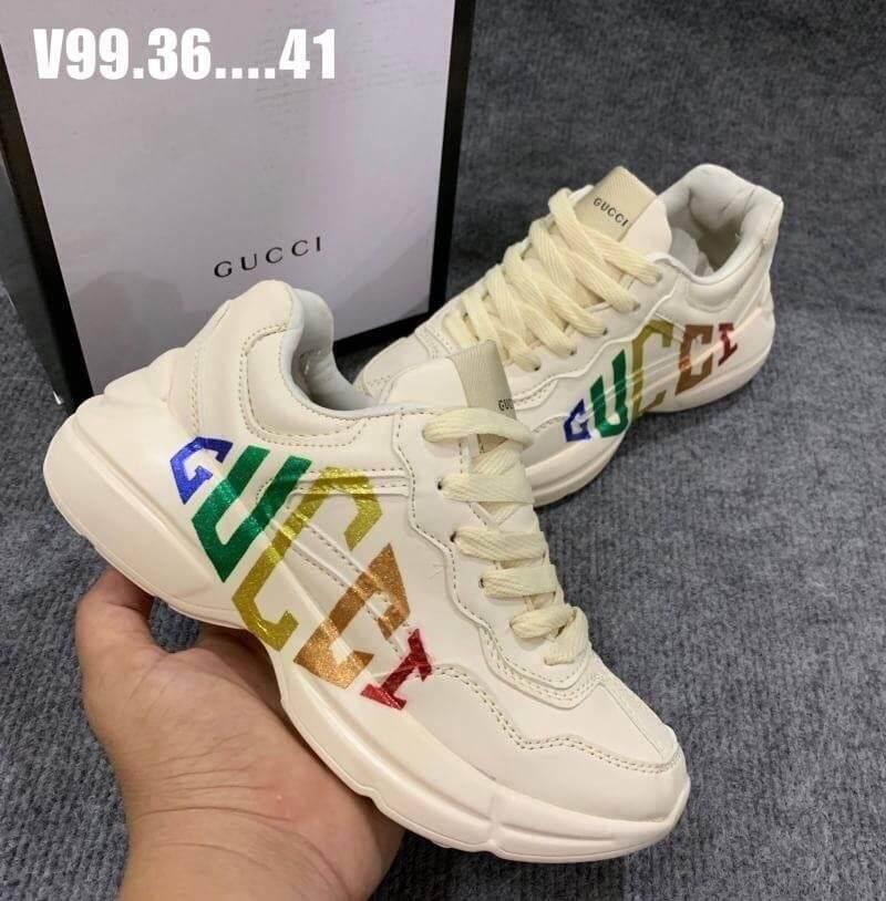รองเท้าผ้าใบกุชชี่แฟชั่นยอดฮิตgucci ลดราคา 3รองเท้าผ้าใบ รองเท้าผ้าใบผู้หญิง.