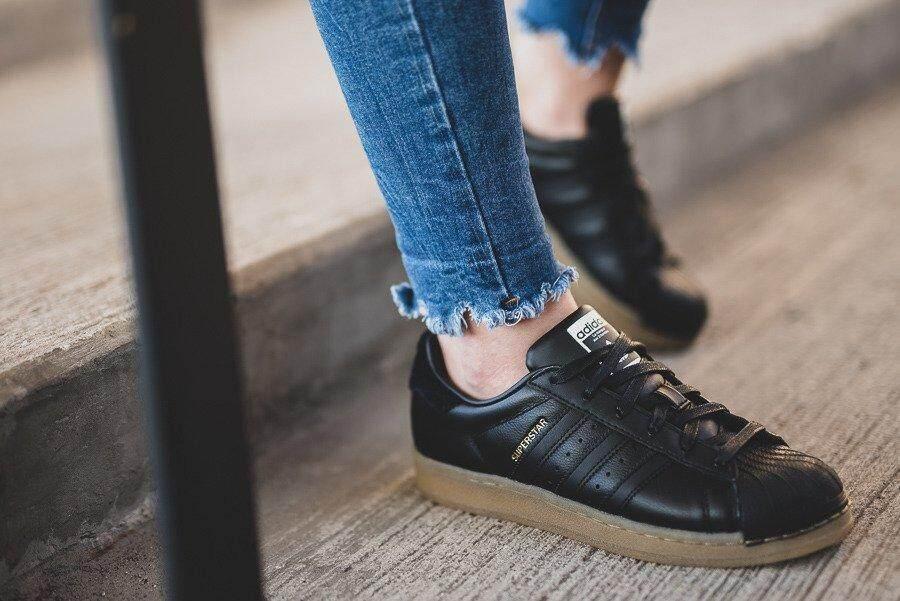 Adidas รองเท้าผ้าใบ หญิง อาดิดาส รุ่น ซุปเปอร์สตาร์ Superstar รองเท้ากีฬา สวยทุกมุมมอง ของแท้ 100% ส่งไวด้วย Kerry!!!.