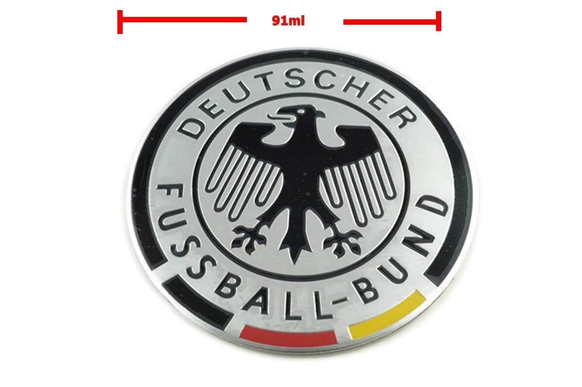 ป้ายโลโก้ Deuscher Fussball-Bund อะลูมิเนียม สีโครเมี่ยม/ดำ ขนาดเส้นผ่าศูนย์กลาง91มิลลิเมตร ติดตั้งด้วยเทปกาวสองหน้าด้านหลัง By Paiboon-Autoparts.
