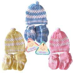 ขาย Baby Heart ชุดหมวก ถุงมือ ถุงเท้าไหมพรม สีฟ้า ชมพู เหลือง ใน ไทย