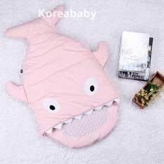 ถุงนอนเด็ก ถุงนอนรูปปลาฉลาม ที่นอนเด็กเล็ก ของใช้เด็กอ่อน ถุงนอนเด็กทารก ที่นอนเสริมคาร์ซีท รถเข็น ถุงนอนปลาสีชมพู By Seoultrendy.