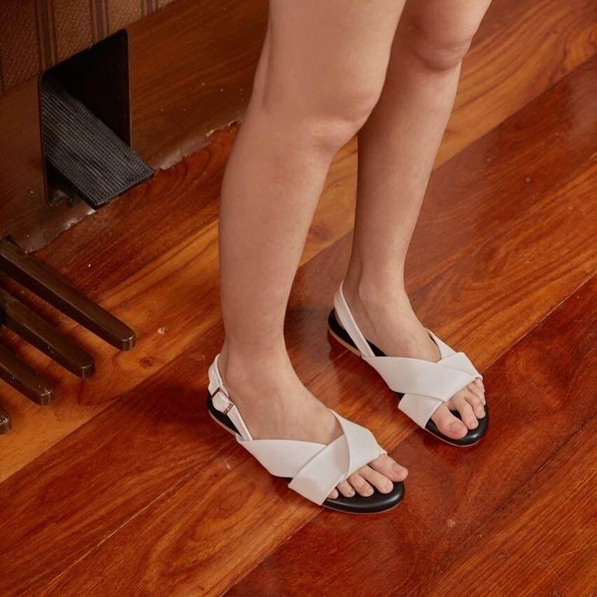Primest - รองเท้าแตะรัดส้น Moonwalk (white Black).