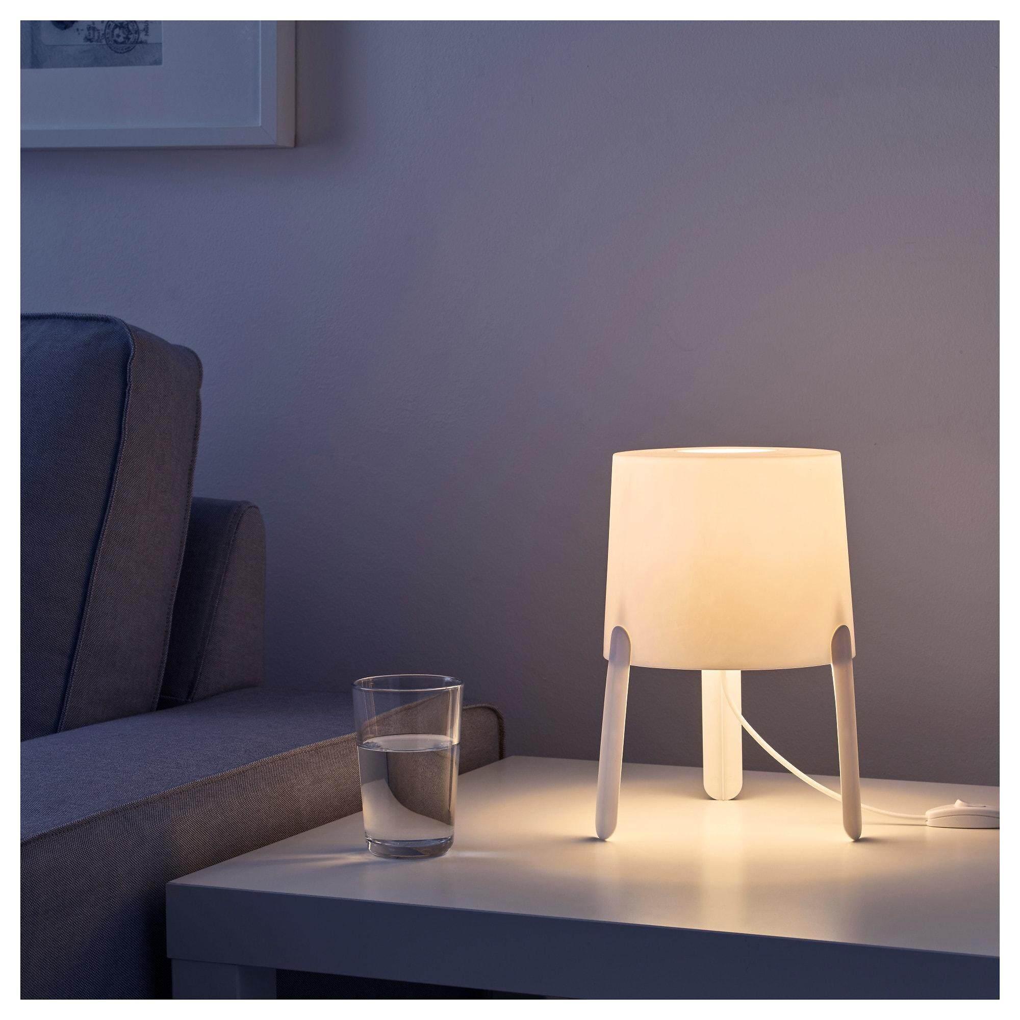 ราคาถูก TvÄrs ทวาช โคมไฟตั้งโต๊ะ ขาว ให้แสงไฟอ่อนๆ By Vvs.