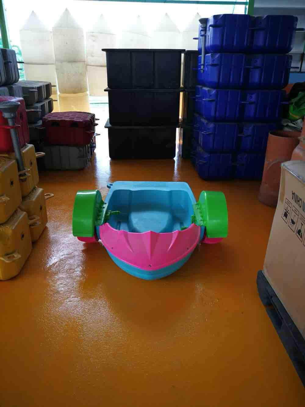 เรือหมุนเด็กเล่น By Various Products.