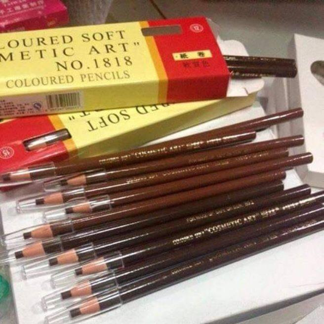 ดินสอเขียนคิ้วไม่ต้องเหลา 1 แท่ง เพียงแค่ดึงเชือกไม่ต้องเสียเวลา เนื้อเนียนติดทนนานไม่หลอกตา เขียนดีเขียนคม.