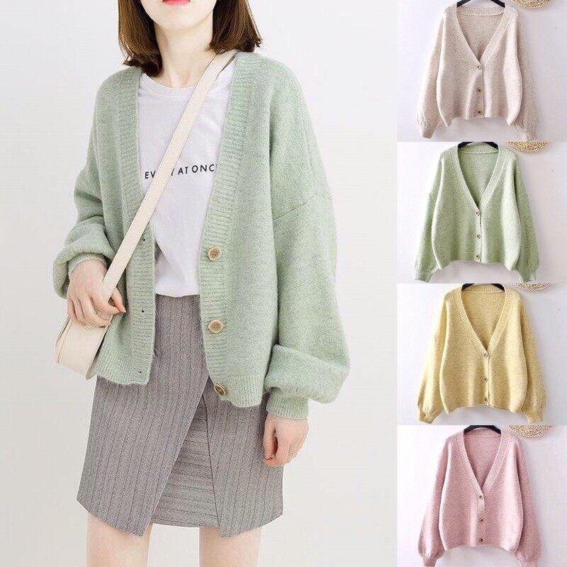 เสื้อคลุมsweaterเสื้อกันหนาวไหมพรมนุ่มนิ่ม สไตล์มินิมอล มีหลายสี พร้อมส่งคอv มีกระดุม เสื้อกันหนาวหญิง สีโทนพาสเทล เสื้อไหมพรมผู้หญิง.