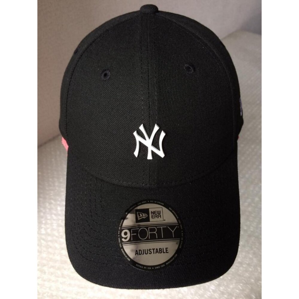 หมวกสีดำ NEW ERA 9Forty Cap NY Mini metal logo