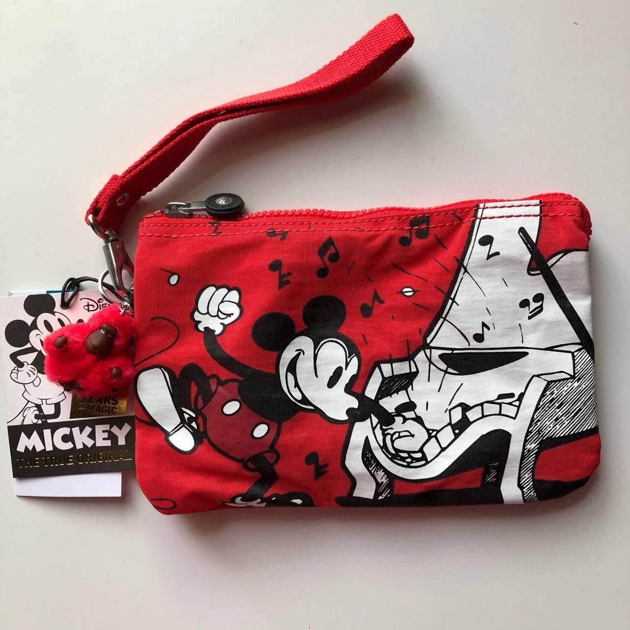กระเป๋าคล้องมือขนาดพอดีมือ  Kipling Disneys 90 Years Of Mickey Mouse Extra Large Pouch กระเป๋าสามช่องสารพัดประโยชน์ (แท้100%).