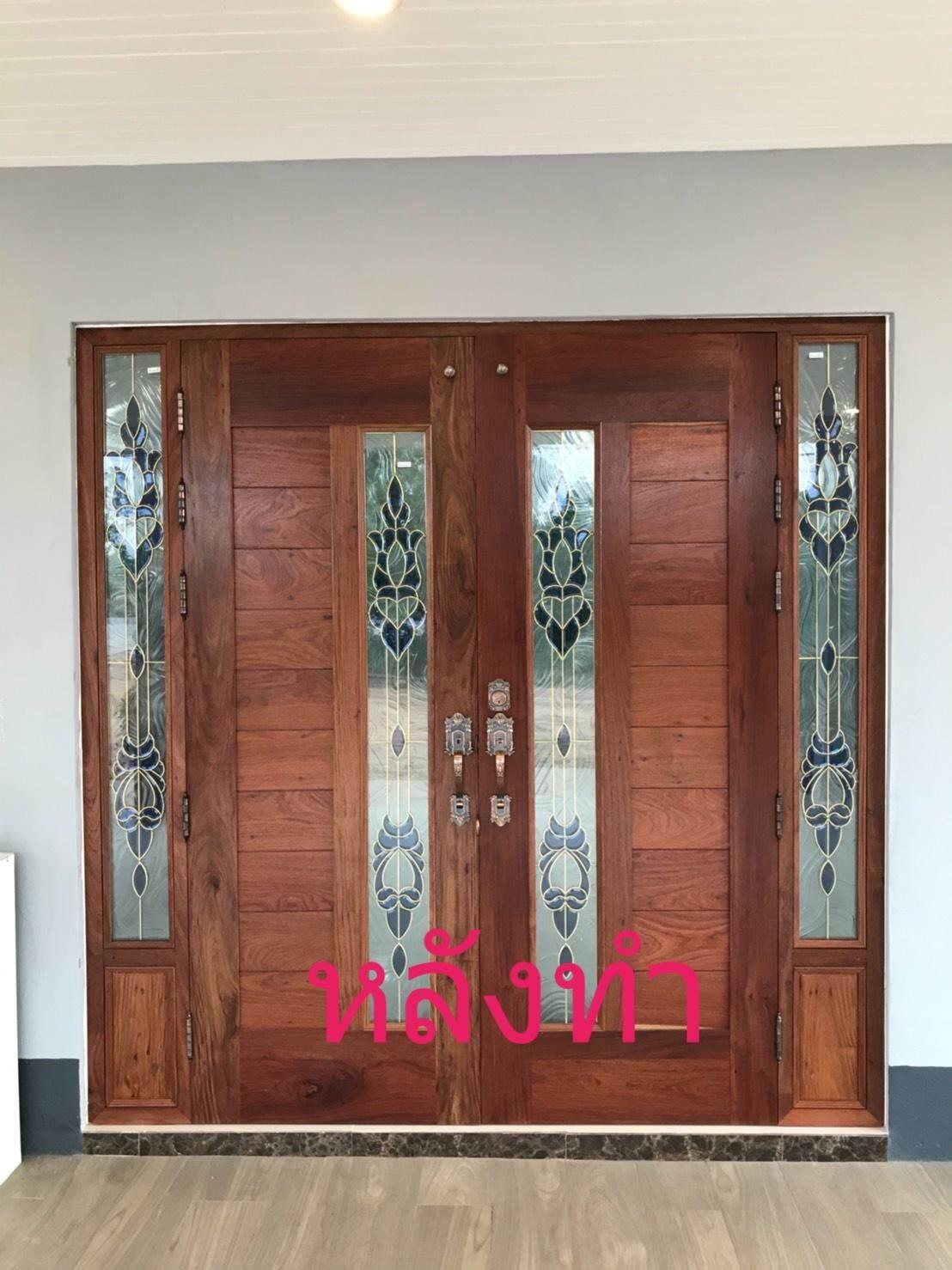 ประตูไม้ประดู่เก่า  ใส่กระจกสีน้ำเงิน  มีกระจกด้านข้าง  ครบชุด.