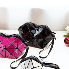 ทบทวน กระเป๋าถือ กระเป๋าเครื่องสำอ่าง สไตล์บล็อก 2X2 สีดำ แฟชั่นนิยมมากในญี่ปุ่น Bao Bao Issey Miyake