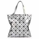 ส่วนลด สินค้า กระเป๋าแฟชั่นผู้หญิง สไตล์บล็อก 6X6 สีเงิน แฟชั่นจากญี่ปุ่น นิยมมากในญี่ปุ่น
