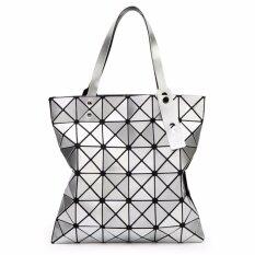 ขาย กระเป๋าแฟชั่นผู้หญิง สไตล์บล็อก 6X6 สีเงิน แฟชั่นจากญี่ปุ่น นิยมมากในญี่ปุ่น Bao Bao Issey Miyake ผู้ค้าส่ง