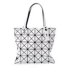 ขาย กระเป๋าแฟชั่นผู้หญิง สไตล์บล็อก 6X6 สีขาวด้าน แฟชั่นจากญี่ปุ่น นิยมมากในญี่ปุ่น ออนไลน์ ใน กรุงเทพมหานคร