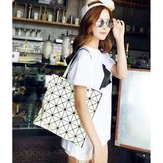 ขาย กระเป๋าแฟชั่นผู้หญิง สไตล์บล็อก 6X6 สีขาว แฟชั่นจากญี่ปุ่น นิยมมากในญี่ปุ่น ใหม่