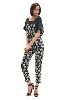All about Fashionista ชุดจั้มสูทขายาว ผ้าหางกระรอกพิมพ์ลายยีราฟ (สีดำ)