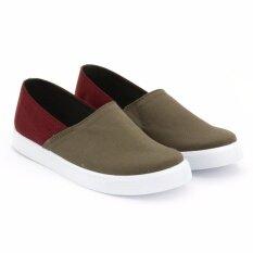 ซื้อ Special Bata Men S Casual รองเท้าแฟชั่น ผู้ชาย ลำลองแบบสวม Men S Casual สีเขียวขี้ม้า และ สีแดงเลือดหมู รหัส 8597617 ใหม่ล่าสุด