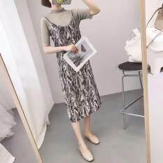 ราคา Be Chic Lime Sling Skirt Plus Gray Within ชุดเอี๊ยมดำลายกราฟฟิก พร้อมเสื้อตัวข้างในสีเทา ใหม่ ถูก