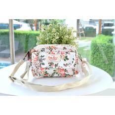 ซื้อ กระเป๋า Candyqueen คลัช สายสะพาย สีขาว ลายดอกไม้ ออนไลน์ Thailand