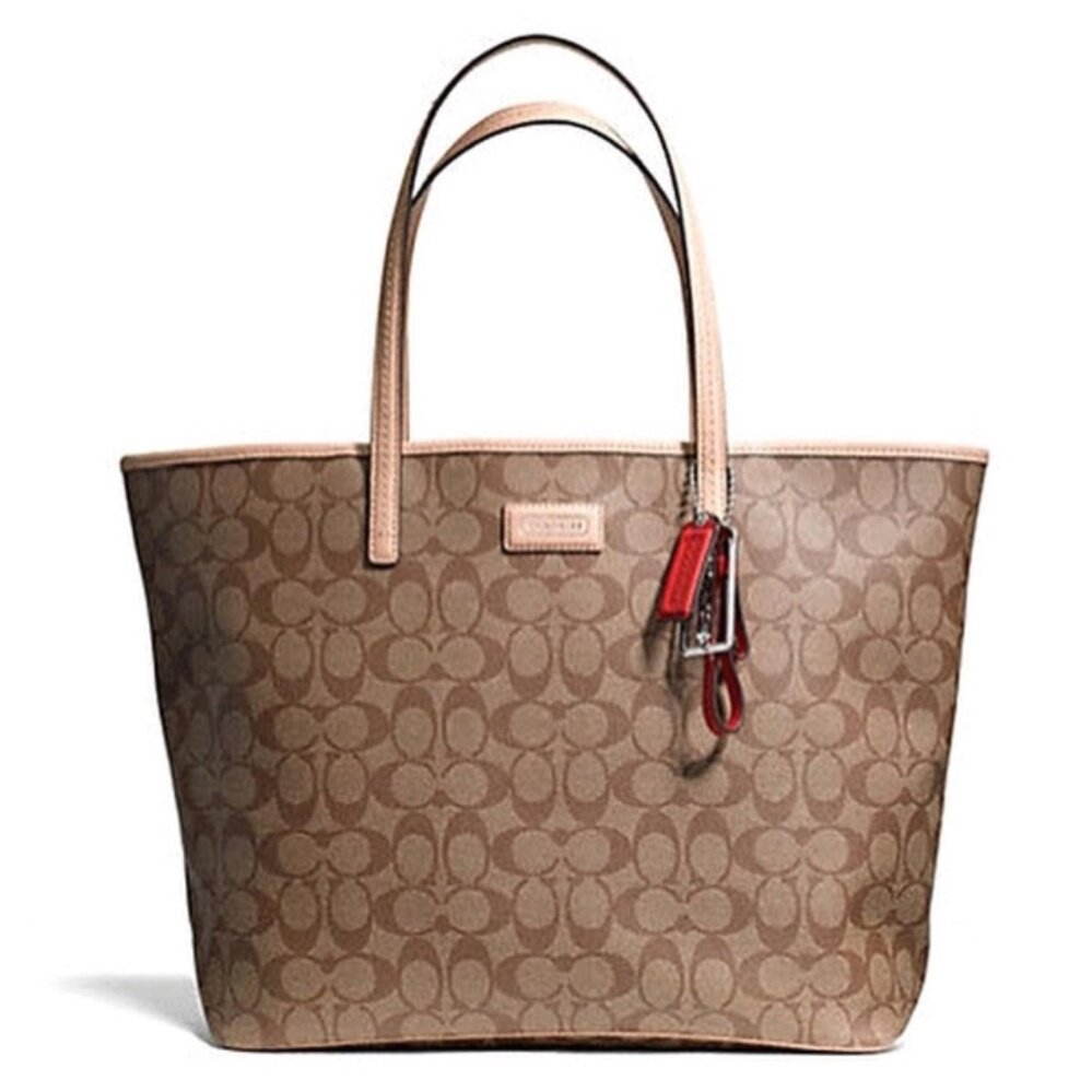 COACH PARK METRO SIGNATURE TOTE SHOULDER BAG 27393 Tan   กระเป๋า Tote Bag กระเป๋าผู้หญิง