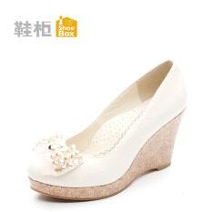 ขาย ซื้อ Daphne รองเท้าลูกปัดรองเท้าซิงเกิ้ลรองเท้าโบว์ส้นสูง ตะวันออกสีขาว ฮ่องกง