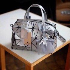 ซื้อ แบรนด์ David Jones กระเป๋าสะพายข้างดีไซน์เกร๋มาก ใน กรุงเทพมหานคร