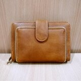 ราคา Korea กระเป๋าสตางค์ผู้หญิงใบสั้นทรงตั้ง รุ่น B018 8 สีน้ำตาล ใน ไทย
