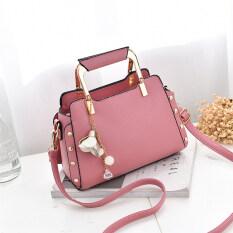 ราคา กระเป๋าสะพายไหล่เดี่ยว กระเป๋าหิ้วของผู้หญิง ทรงหอยเชลล์สไตล์เกาหลี Rose จี้กระเป๋าสีชมพู Rose จี้กระเป๋าสีชมพู ใน ฮ่องกง