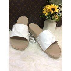 โปรโมชั่น Monobo รองเท้าเเบบสวมใส่สบายเท้า พื้นน้ำตาลคาดขาว ถูก
