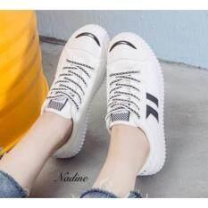 Nadine รองเท้าผ้าใบแฟชั่นเก๋ๆ รองเท้าผ้าใบผู้หญิง รุ่น A009 สีขาวดำ ไทย