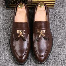 ซื้อ ขี้เกียจรองเท้าผู้ชายอังกฤษรองเท้าลำลองพู่ชี้แต่งงาน สีน้ำตาล ออนไลน์ ถูก