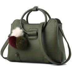 ซื้อ กระเป๋าถือ กระเป๋าพาดลำตัว มีสายสะพายให้ พวงกุญแจ สีเขียว Better Homes ออนไลน์