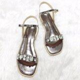 ราคา รองเท้าสไตล์มินิมอล ดีไซน์ประดับเพชรเม็ดใหญ่ พร้อมสายหลัง สีเทา Shoes By Naris กรุงเทพมหานคร