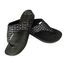 ราคา รองเท้าแตะ หูหนีบพื้นหนา รุ่น 875 สีดำ Rongthawyim เป็นต้นฉบับ