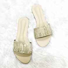 ราคา รองเท้าแตะสวม Shoes By Naris รุ่นหนังจระเข้เงา สีเขียวอ่อน ใหม่ล่าสุด